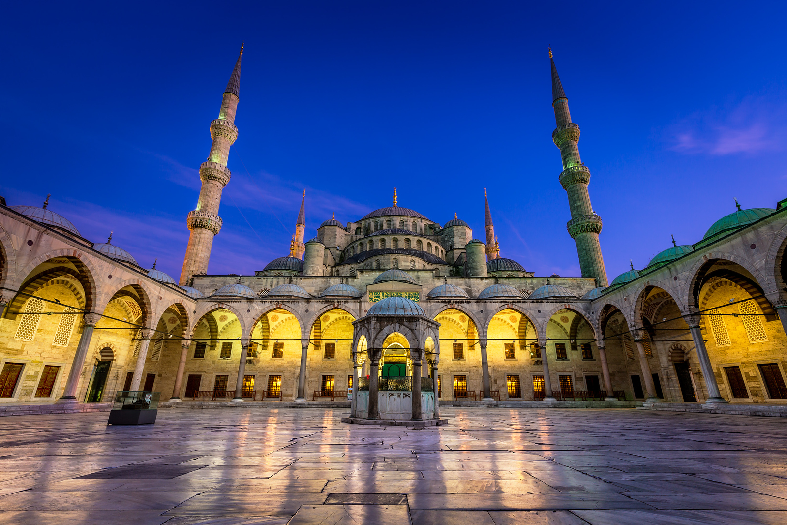 Blue Mosque / Istanbul, Turkey