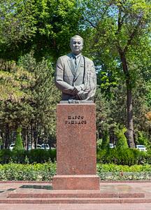 Sharof Rashidov Statue, Tashkent