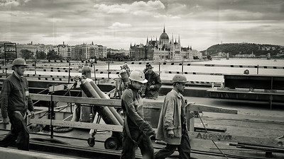Workers on Margit Bridge