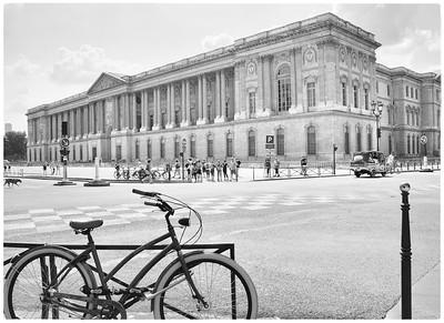 Le Louvre en vélo