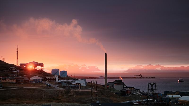 Taubanesentral i solnedgang
