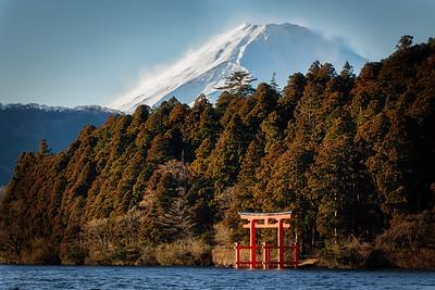Snow on Fuji
