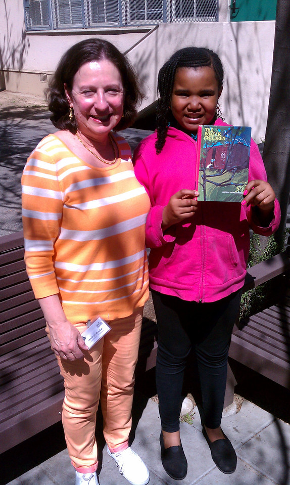KOREH L.A. volunteer Marilyn B. and Zoey A. at Brentwood Science Magnet Elementary.