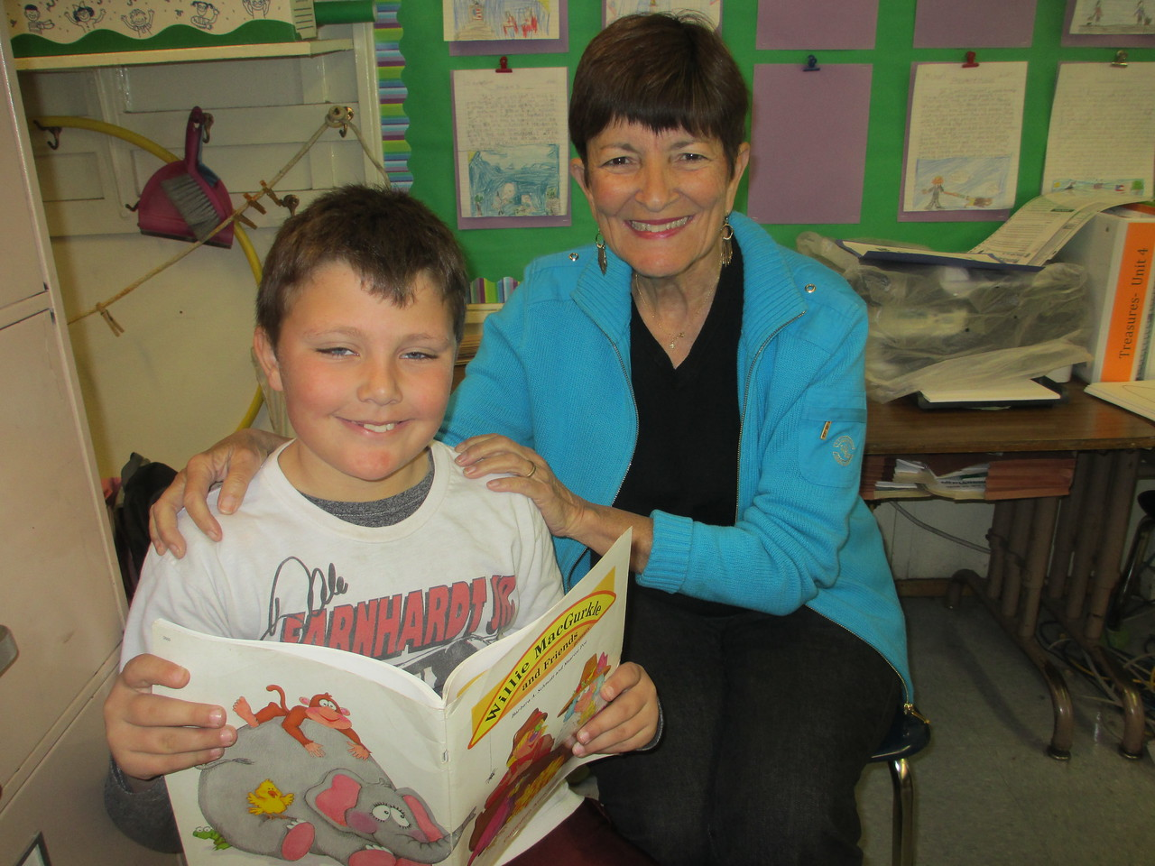 KOREH L.A. volunteer Saundra G. and 2nd grader Griffin W. at Brentwood Science Magnet Elementary.