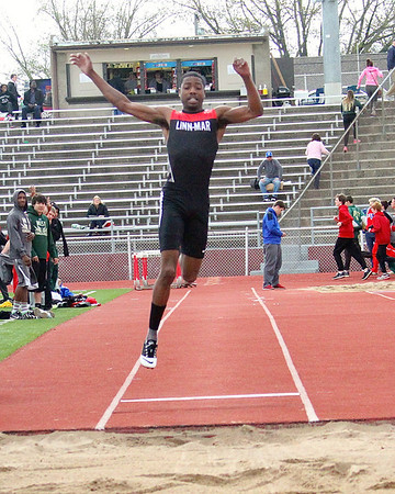 Linn-Mar at the Wilkinson Relays 5/2/14