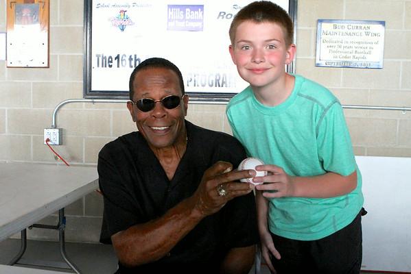 Rod Carew Autograph Signing 6/28/14