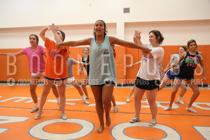 cheer varsity practice 9-28_Eaton0149