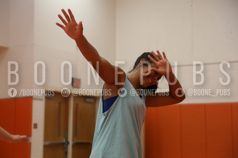 cheer varsity practice 9-28_Eaton0253