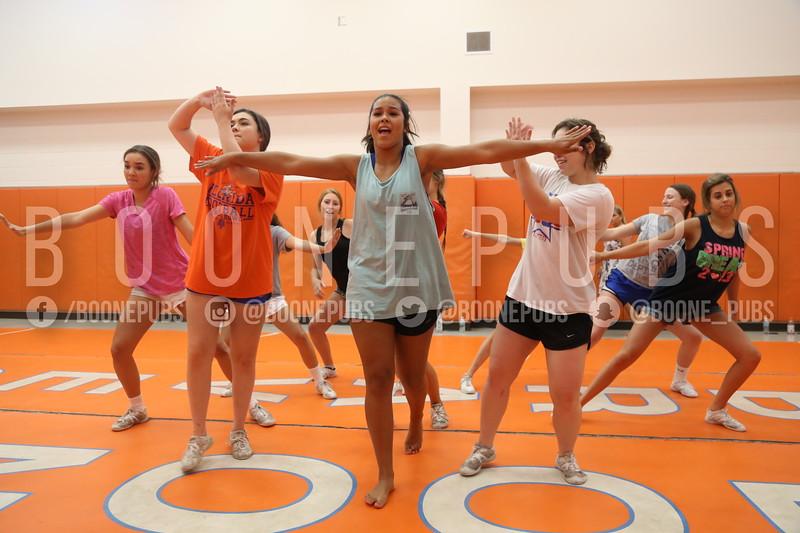 cheer varsity practice 9-28_Eaton0148