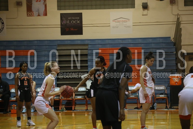 Girls Basketball 1-21_Curry0344