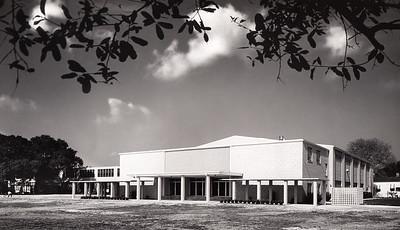 Gymnasium (1964)
