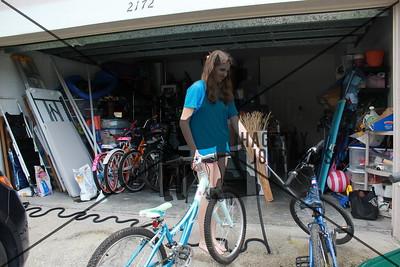 10-13-17_ Girl Up Garage Sale_SAM