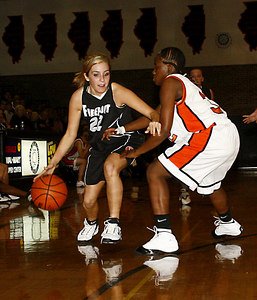 Chronicle photo CURTIS CLEGG DeKalb #32 Freeport #22