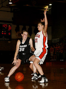 Chronicle photo CURTIS CLEGG DeKalb #22 Freeport #35