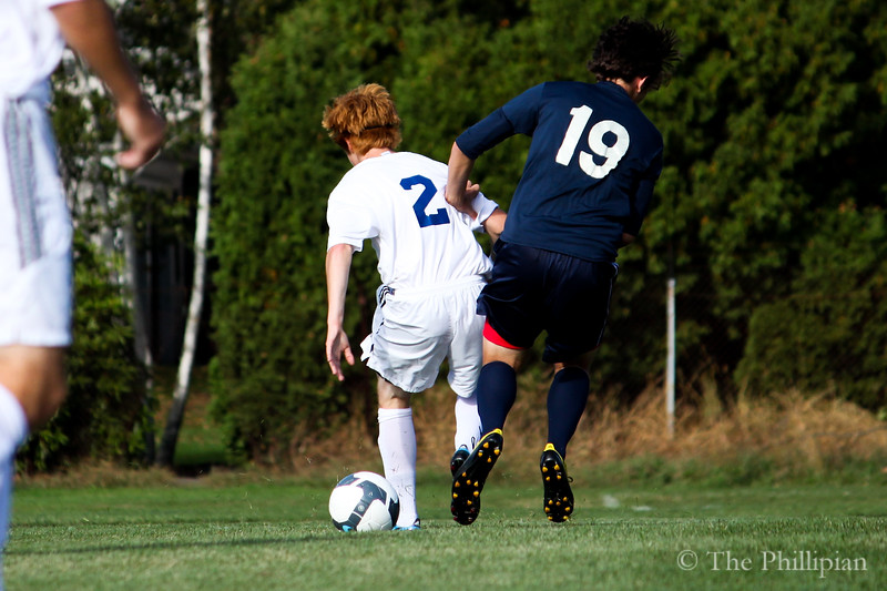 Boys Varsity Soccer vs Holderness School on 9/29/10. Score was a tie (0-0). (E. Ouyang)
