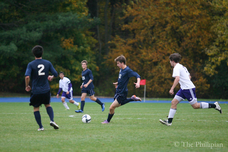 Boys Soccer competes against Cushing Academy on 10/27. Andover won 7-0. (J. Qu)