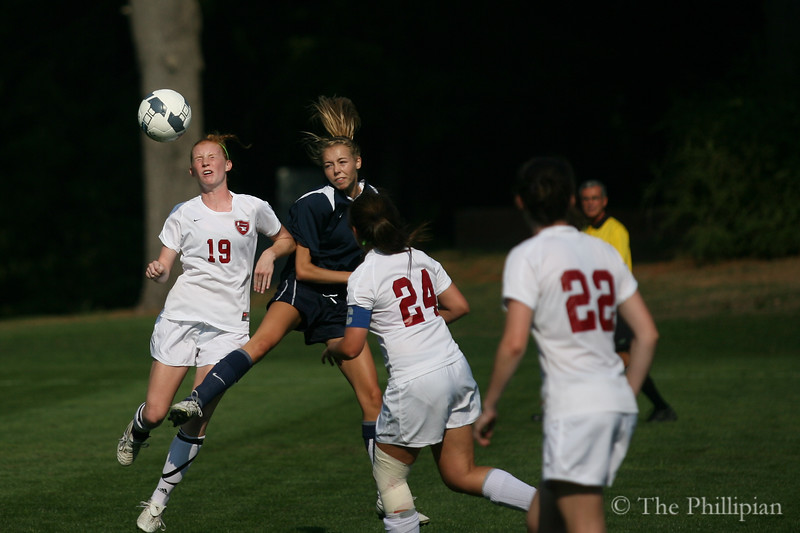 Girls Varisty Soccer play against Middlesex School on 9/22. Andover won 3-0. (J. Qu)