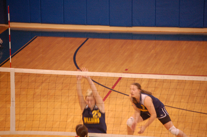 girls volleyball 037