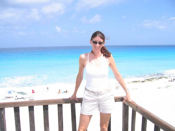 08.16.05 Kim & Carl Honeymoon Secrets Resort Mexico