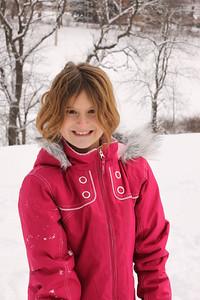 12112 Snowy Fun-174
