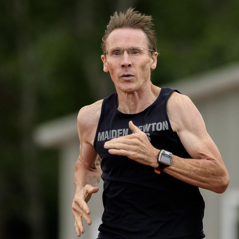 800 meter race