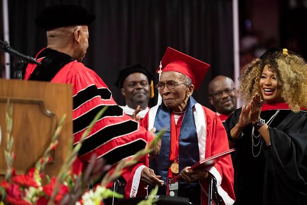 20190510 Commencement 1949 Graduate Mrs Elizabeth Barker Johnson 078Ed