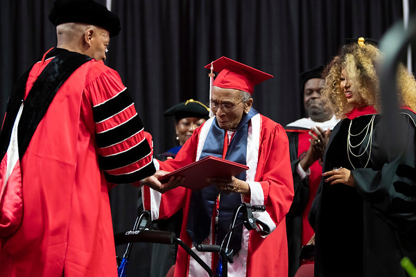 20190510 Commencement 1949 Graduate Mrs Elizabeth Barker Johnson 050Ed