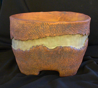 "#323 8"" x 6 1/2"" oval, 5"" deep, 6"" tall"