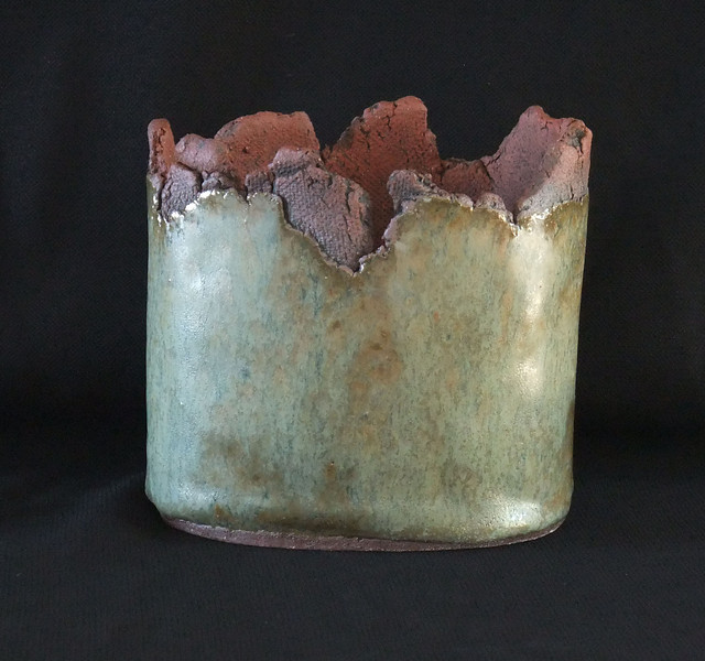 "#981 3 3/4"" x 2 3/4"" oval, 3"" deep, 4"" tall"