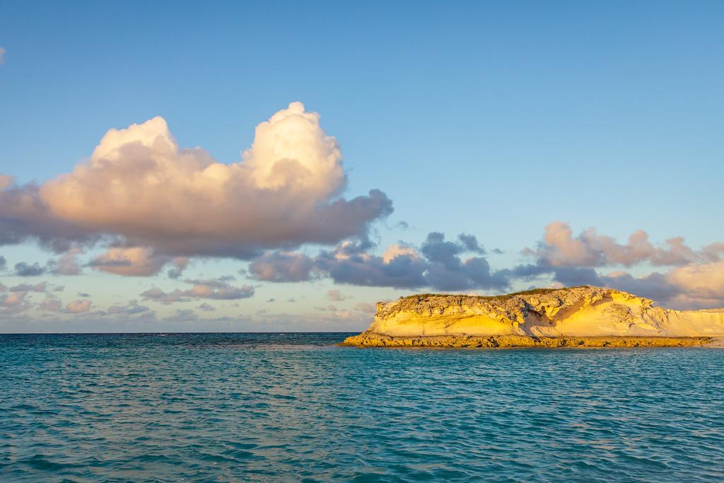 The limestone bluff in Babbie's Bay, Conception Island