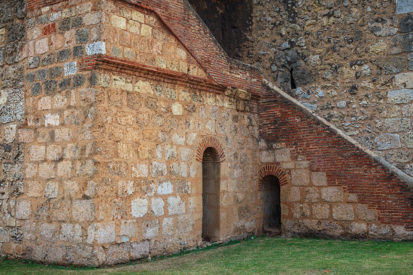 The Torre del Homenaje was built in 1505 as a part of Fortaleza Ozama to protect Santo Domingo, and is the oldest European military building in America