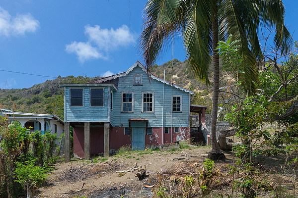 Windward is full of old houses from the 19th century.