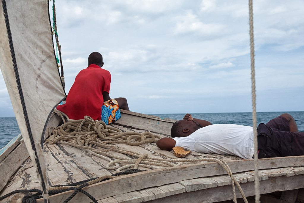 Relaxing during the sail from Tou Milieu to Pierra La Lanterne.