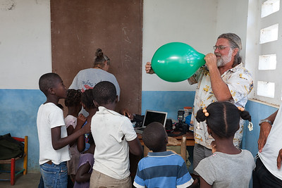 Wayne really pushed the limits of these balloons - then the children promptly discovered how to untie the knot.