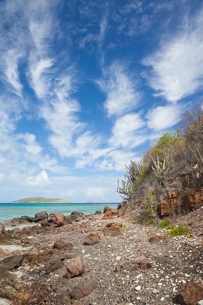 Rocky beach on the northern side of Culebrita