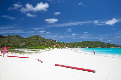The beach and runway in St Jean