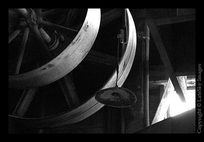 106 Drive Wheels & Lamp