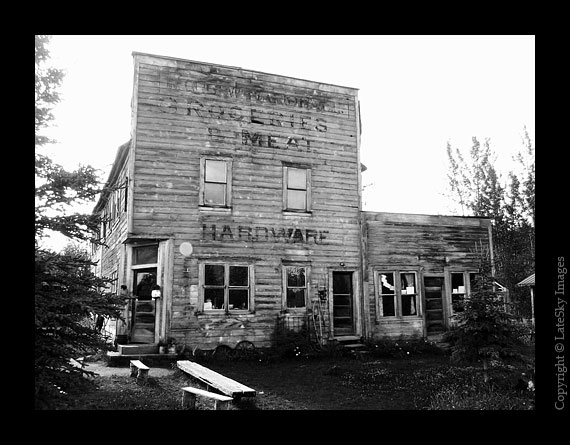 M184 Hardware Store (grayscale)