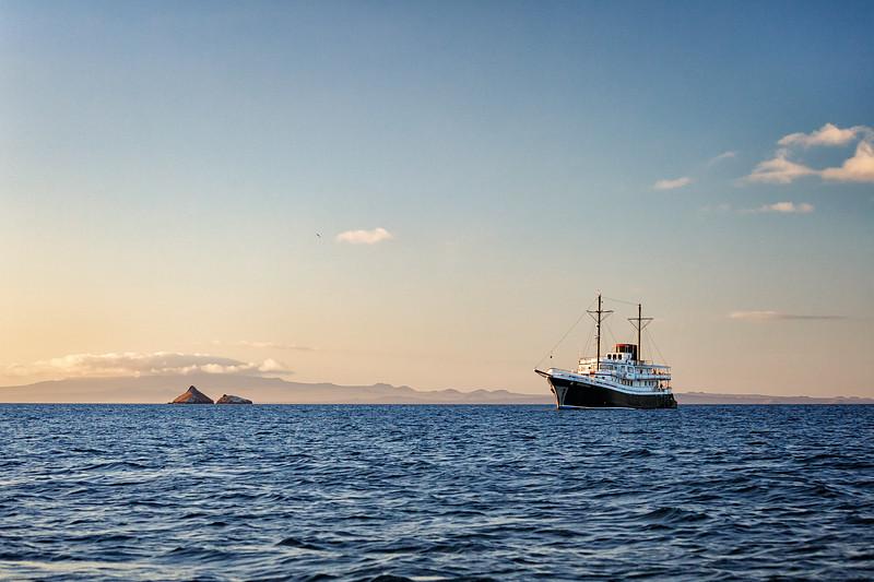 galapagos ship