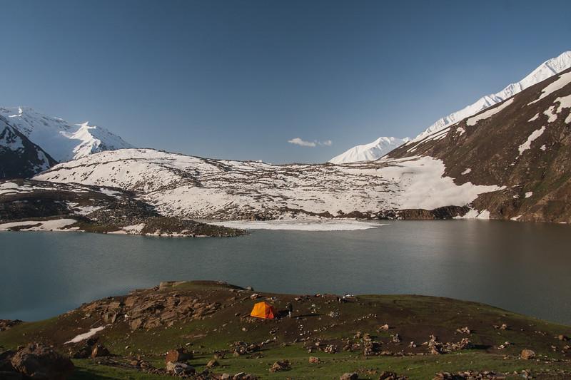 Camping at Lulusar lake in late spring