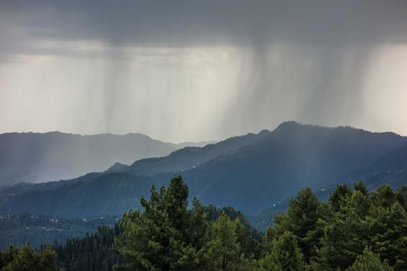Monsoon rains sweep across the Galiat