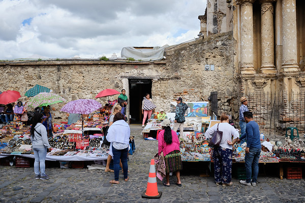 Street market at Mercardo el Carmen, a church destroyed by an old earthquake, Antigua Guatemala