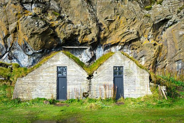 Sod houses at Drangshlíð