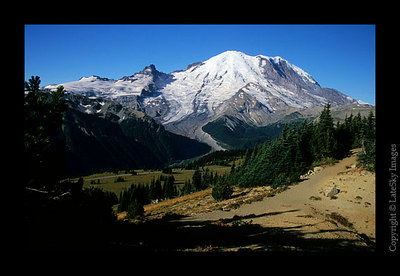 B16 Mt  Rainier from Sourdough Ridge