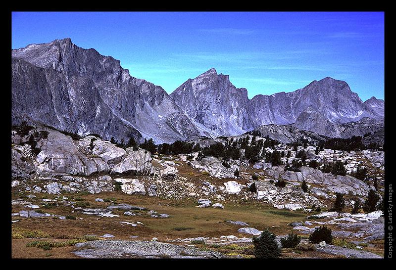 W18 Westward View from Wasakie Pass Trail