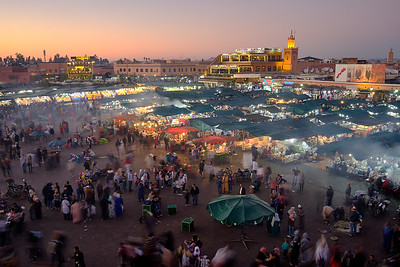The main market in Marrakech, Jemma el-Fnaa, transitioning from day to night.