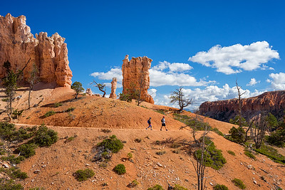 Hikers on the Peekaboo Loop Trail, Bryce Canyon National Park