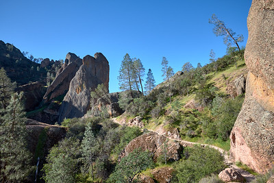 The Old Pinnacles Trail before descending down Machete Ridge