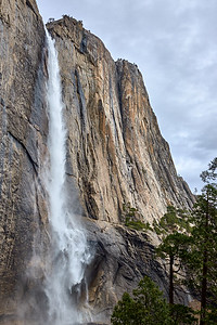 Yosemite Falls from the Yosemite Falls trail.