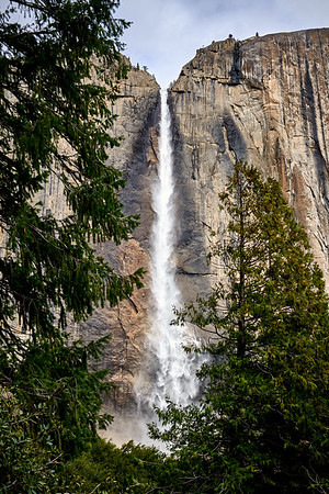 Yosemite Falls from the Yosemite Falls trail.